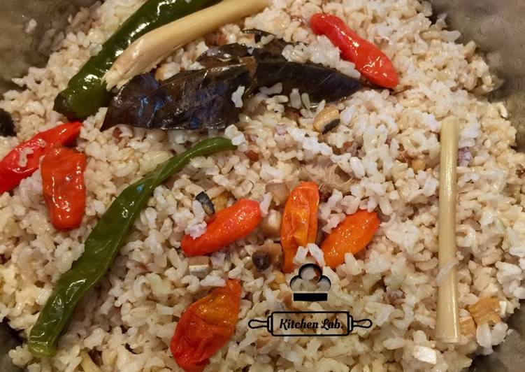 Nasi liwet ikan asin (brown rice)