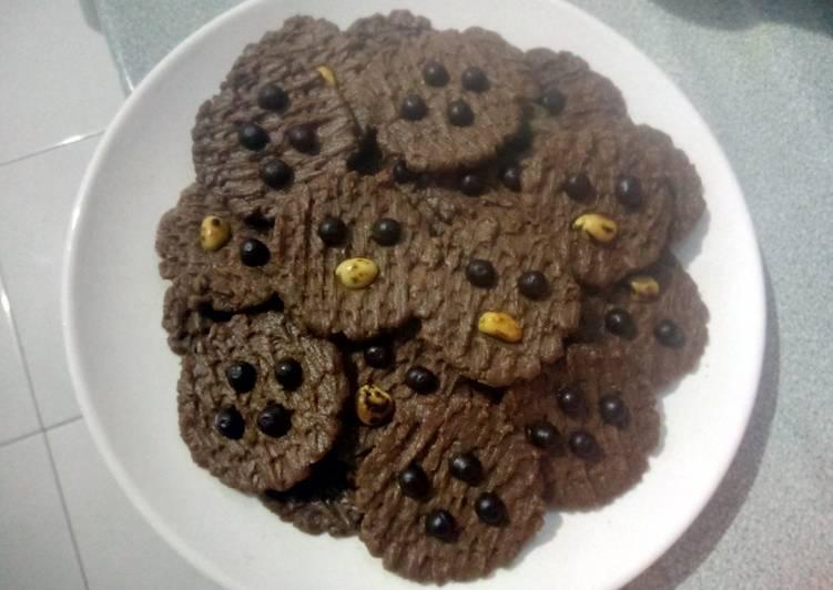 Cookies chocolate chocochips kacang tanah tanpa telur