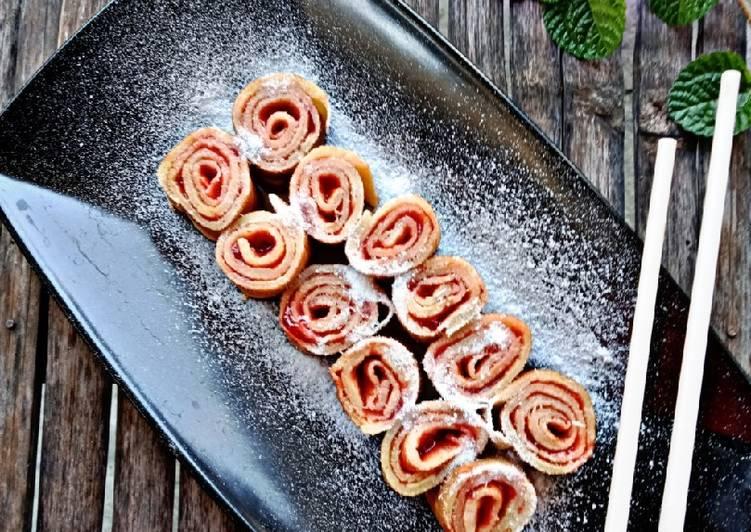 Strawberry Pancake Roll