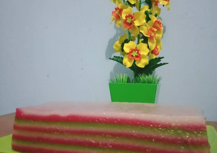 2.Kue lapis tepung tapioka dan tepung terigu - cookandrecipe.com