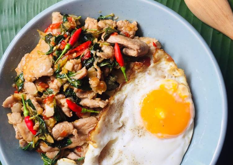 Recipe of Perfect Spicy pork and holy basil