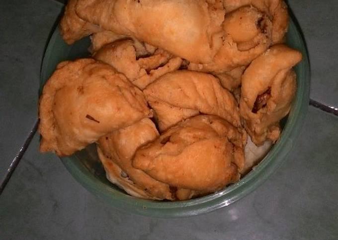 Pastel Abon Crunchy