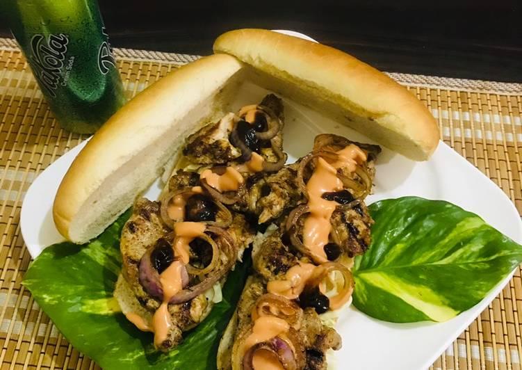 Leftovers black pepper steak (long / round burger)