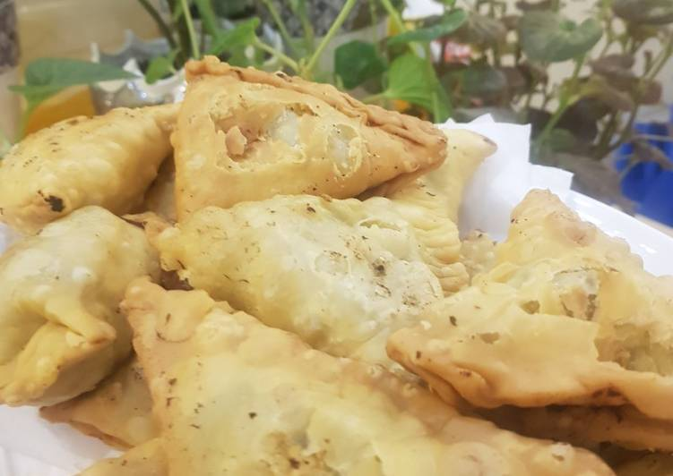Meat and potato samosas