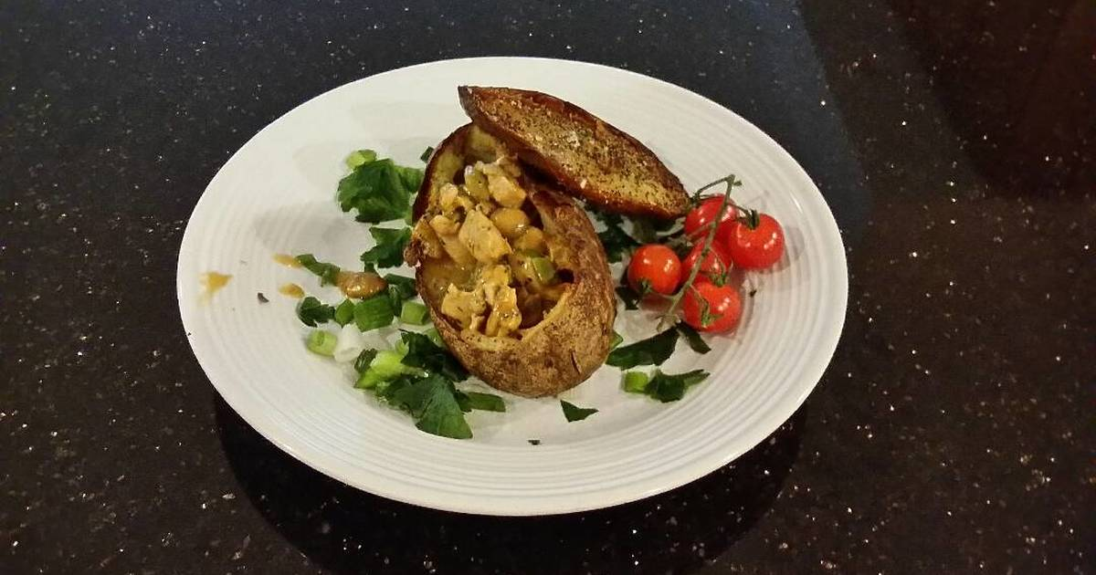 Chicken Pot Pie in a Crispy Potato Shell