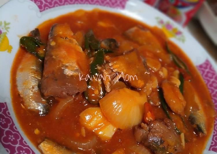 26. Sarden Kaleng Saos Tomat