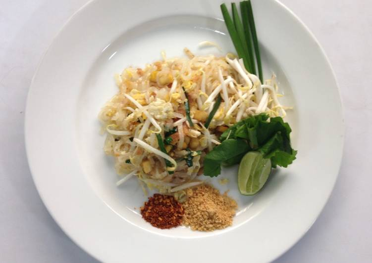 Thai style fried noodles