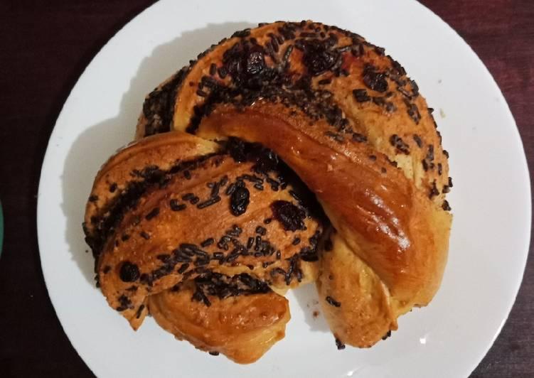 Almond Butter Cerres Babka