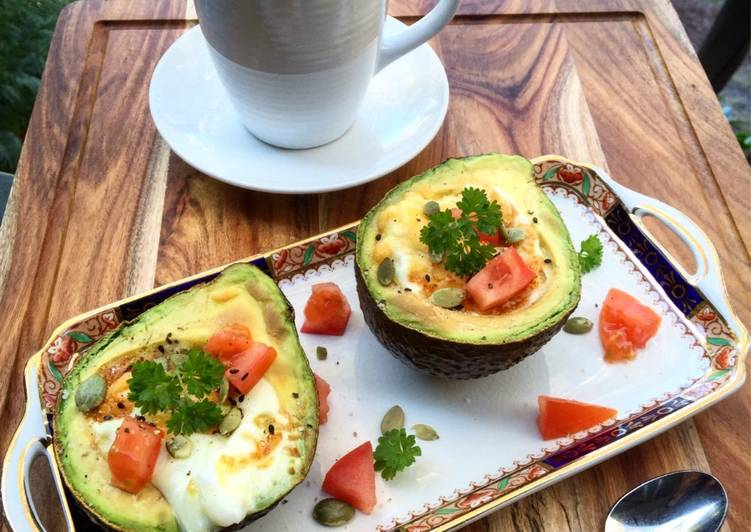 Simple Way to Prepare Favorite Roasted avocado and eggs