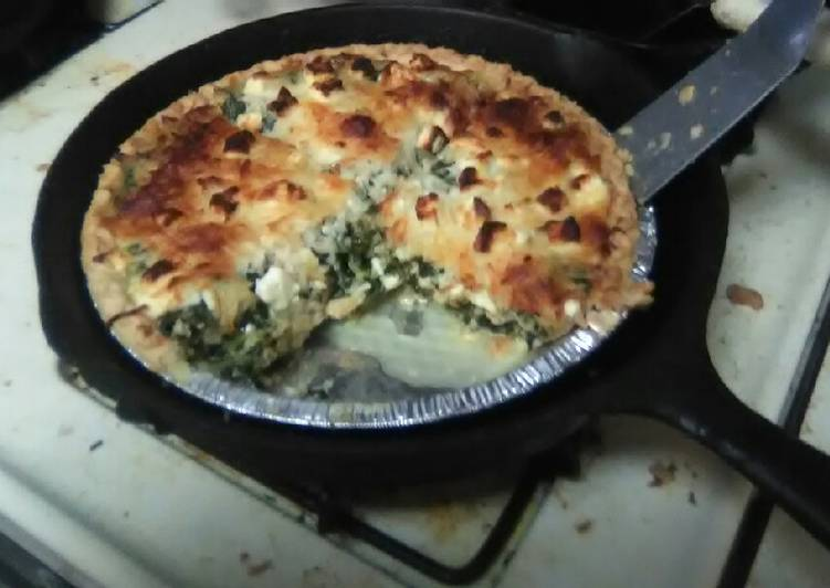 Recipe: Appetizing Cheesy Chicken and Spinach Pie