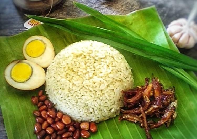 Langkah Mudah untuk Membuat Nasi Lemak Hijau Moringa , Sempurna