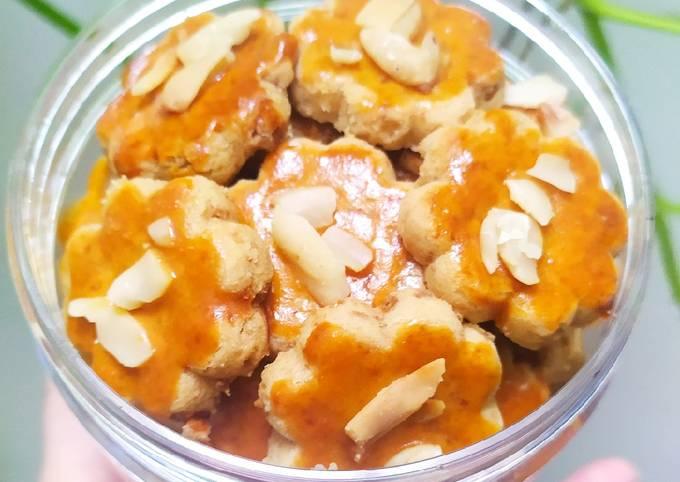 Lotus kenari cookies
