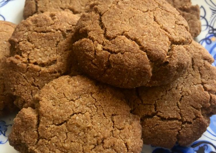 Cinnamon and liquorice cookies - vegan