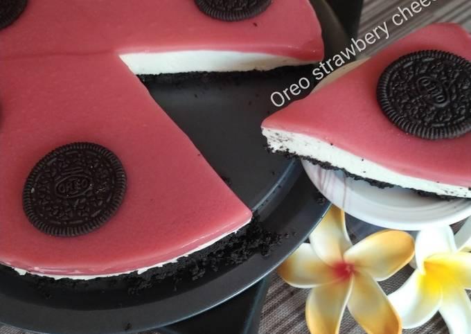 Oreo strawbery cheesecake