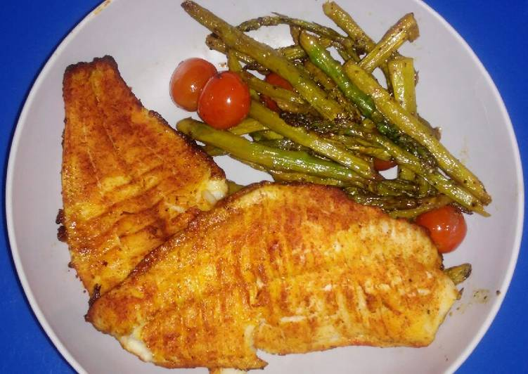 Easiest Way to Make Appetizing Baked Catfish with Asparagus & Tomatoes