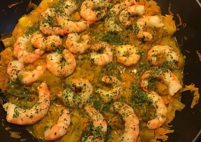 Gambas sur fondue de poireaux et carottes au curry et gingembre