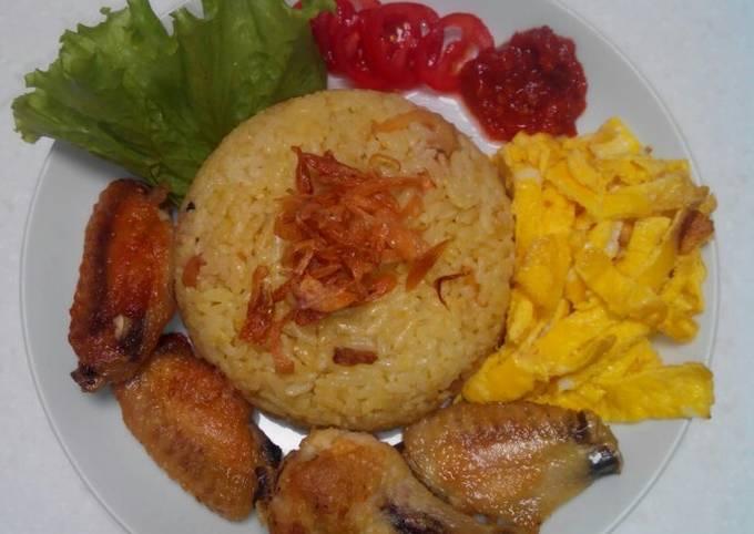 Cara Menyajikan Nasi kuning rice cooker Simpel dan Mudah Dibuat
