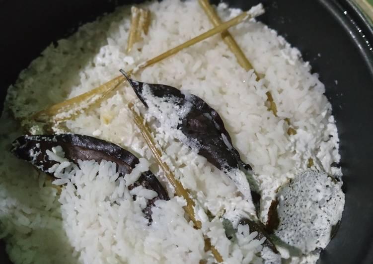 Resep Nasi uduk/nasi gurih magic com Enak Banget