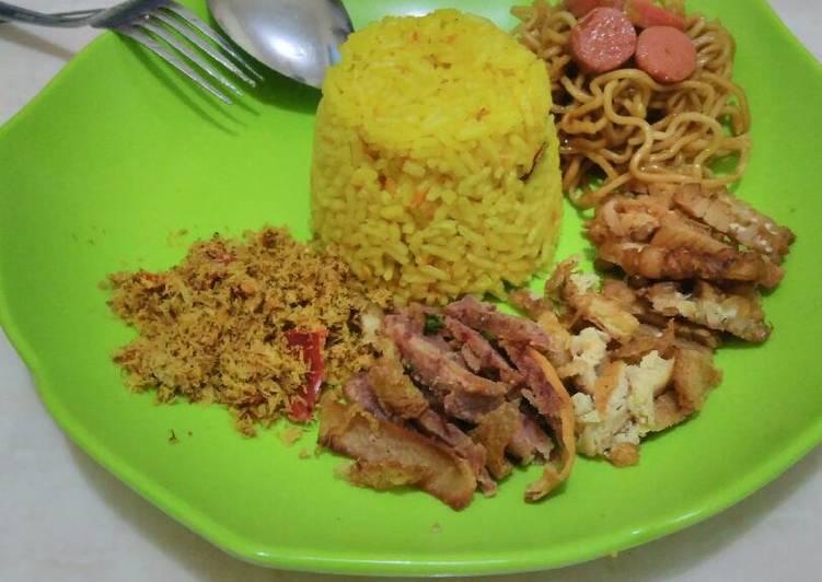 Nasi Kuning Spesial Pedas - cookandrecipe.com