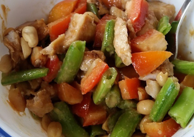Simple Way to Prepare Favorite Chicken Peanut Stir Fry
