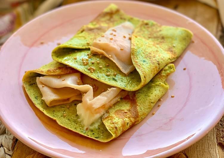 Crepes salados de calabacín y albahaca