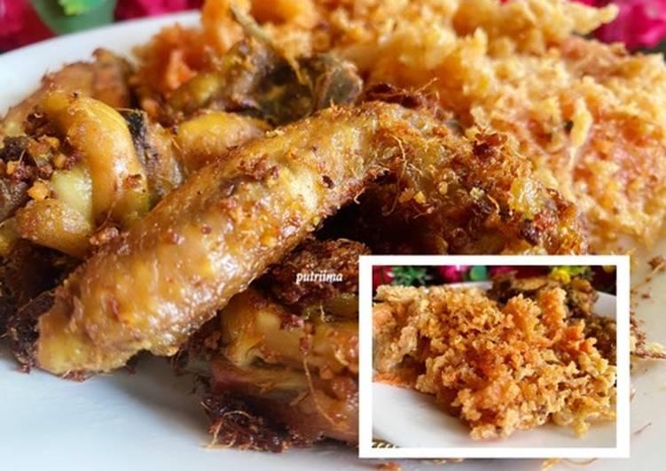 Ayam goreng lengkuas dan kremes