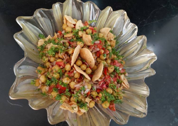 Easiest Way to Make Any-night-of-the-week Chana papry chat /lazez chatpaty chana chat