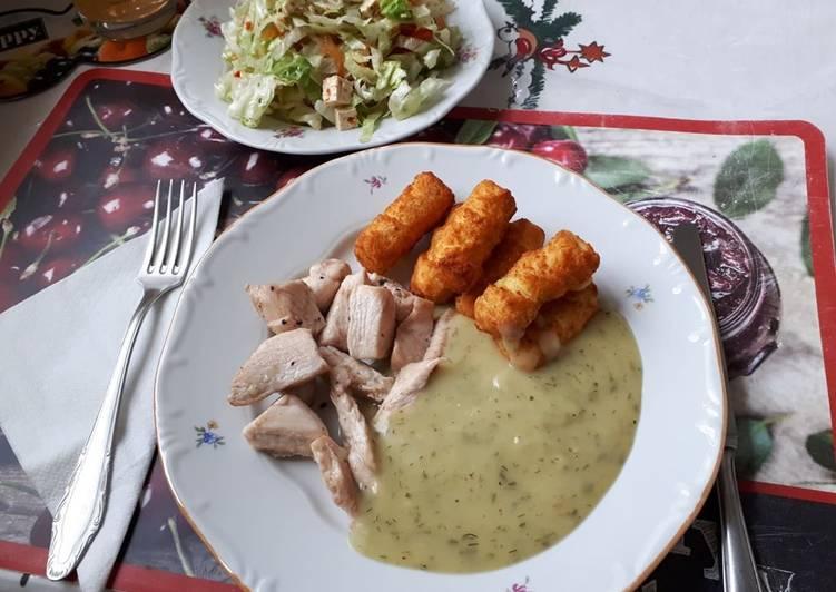Csirkemell csíkok burgonya krokettel, kapor mártással, friss salátával recept foto
