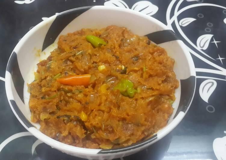 Foods That Make You Happy Loittya/Lote maacher bhuna (Scrambled Bombil/Bombay Duck)