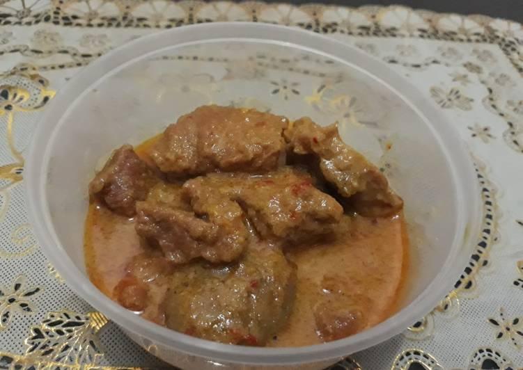 Gulai daging sapi dan jengkol