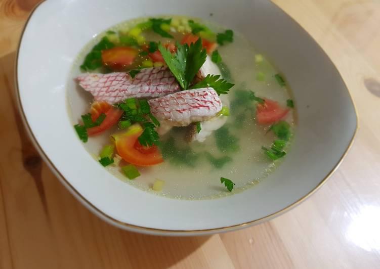 Sup ikan kakap merah kuah bening