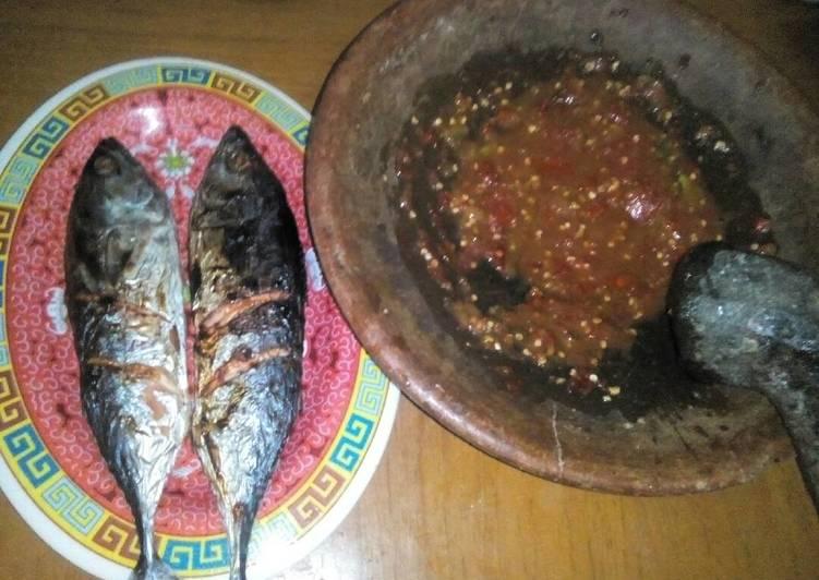 Resep Ikan Tongkol Bakar Penyet Sambal Tempong Khas Banyuwangi Oleh Riva Mario Cookpad