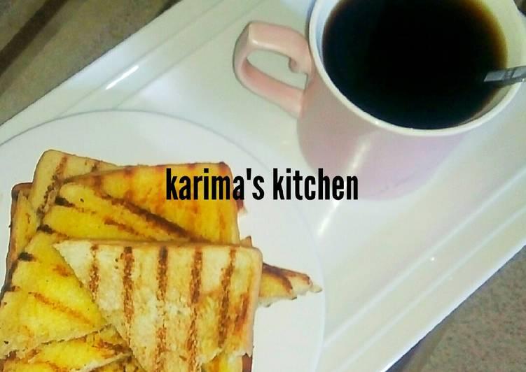Butter toast/mint leaves tea
