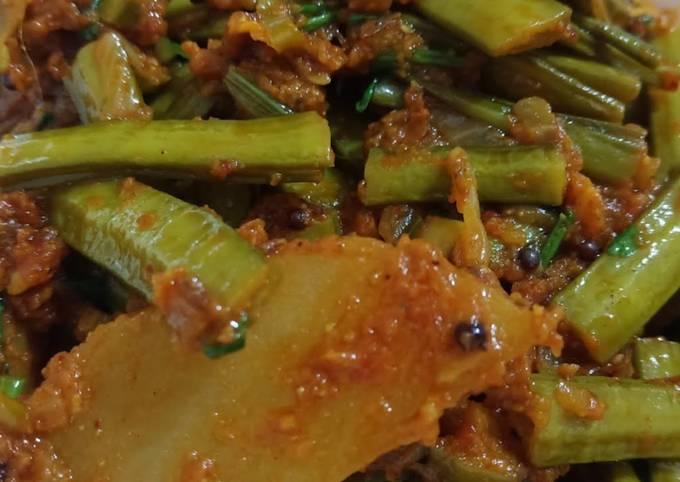 Gawar Phali Aloo ki sabzi//Cluster Beans & potato Fried Recipe