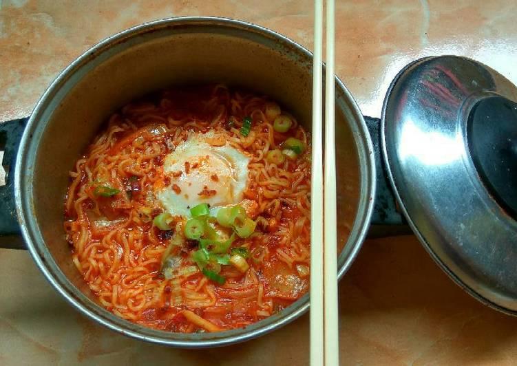Mi Kuah Kimchi ala2 Kpopers 😂