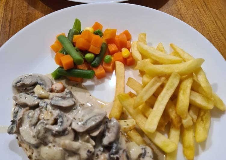 Chicken Steak with Mushrooms Sauce