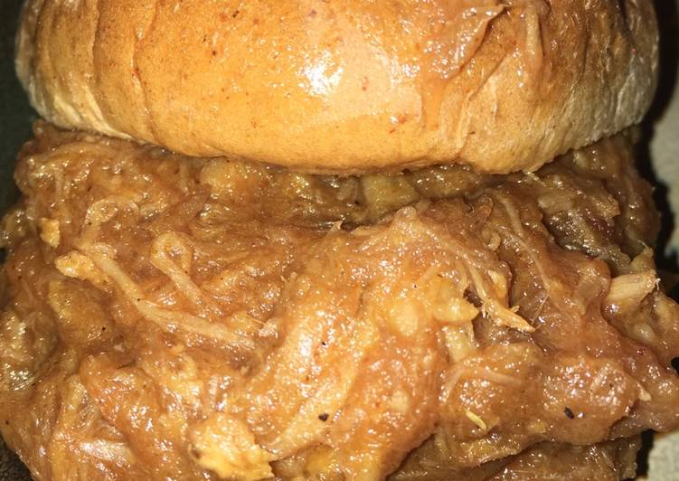 Crock Pot BBQ Pulled Pork Sandwiches