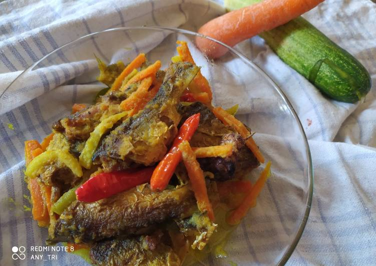 Bandeng acar kuning - cookandrecipe.com