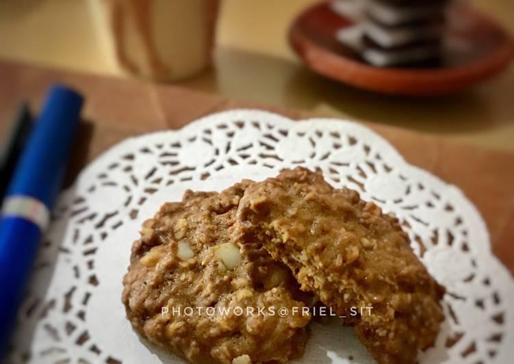 Coffee-oat cookies, with raisin n walnuts