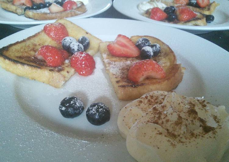 Step-by-Step Guide to Make Super Quick Homemade French Toast with Berries