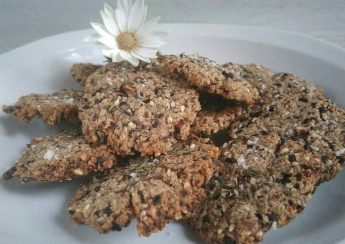 Crackers healthy aux noix olive et flocons d'avoine