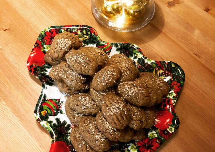 Christmas cookies dipped in honey, aka melomakarona