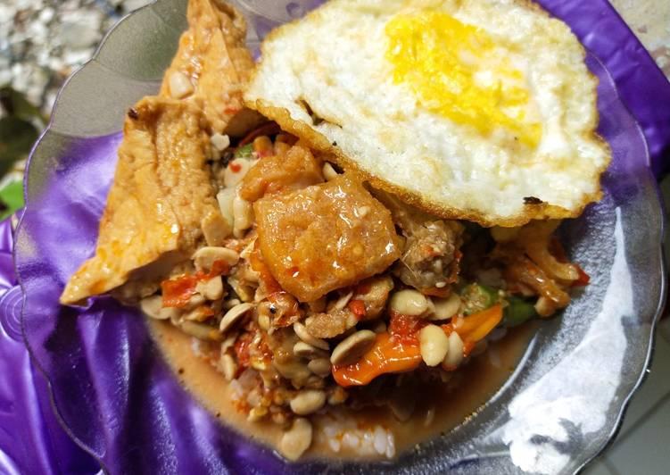 Nasi Tumpang Solo & telor Ceplok