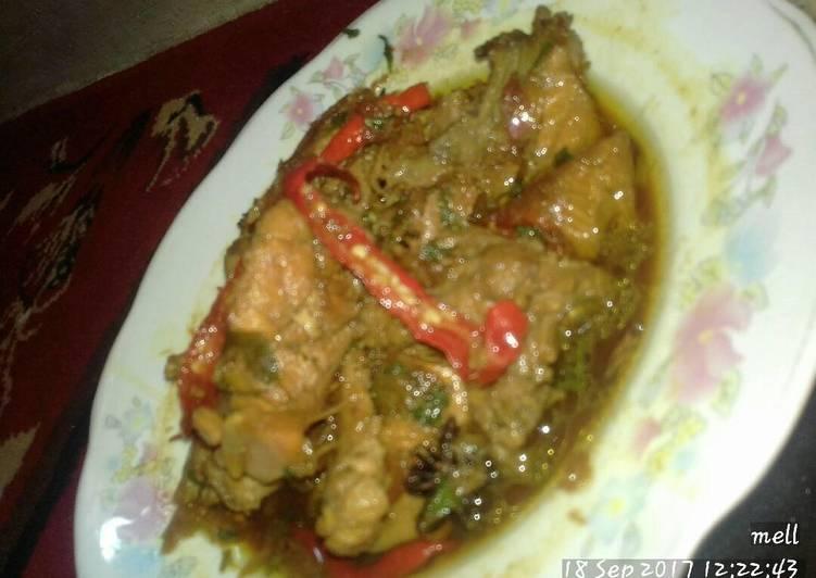 Ayam kecap manis pedas