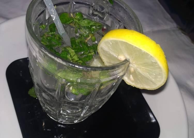 Mojito lemon mint mocktail