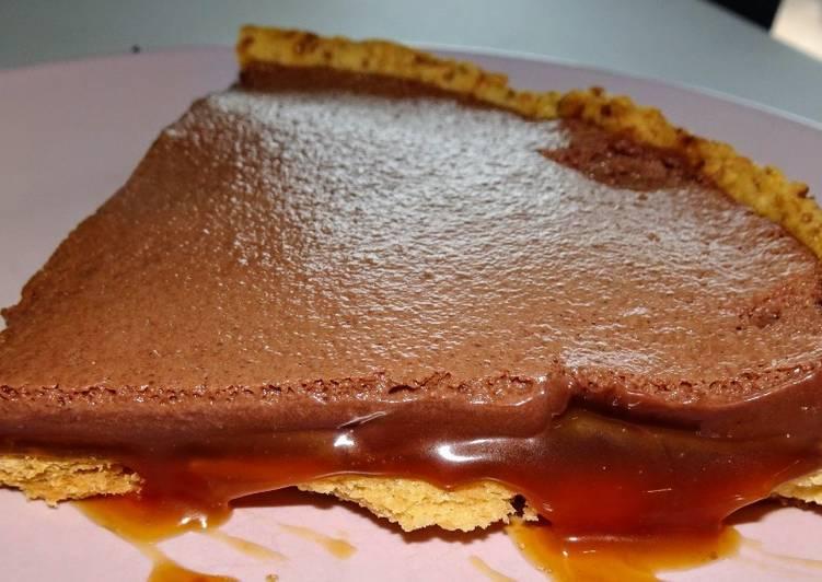 """Tarte caramel au """"beurre"""" salé/chocolat (vegan)"""