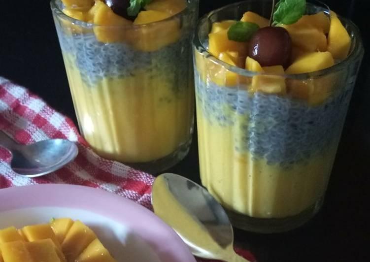 Mango Chia seeds smoothie