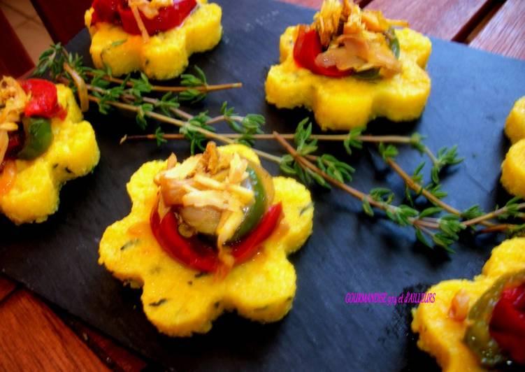 Toasts polenta, poivrons, poulet carry