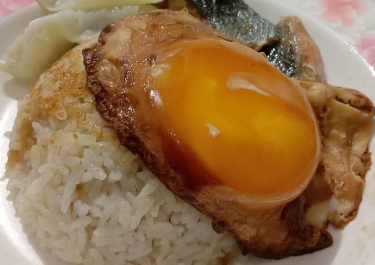 3. Nasi Hainan Ala Rumahan
