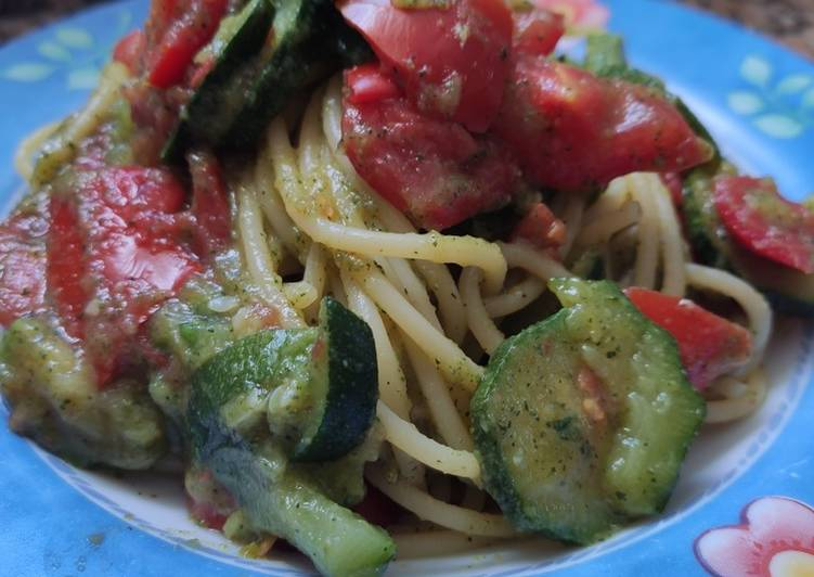 Spaghetti di zucchine e menta
